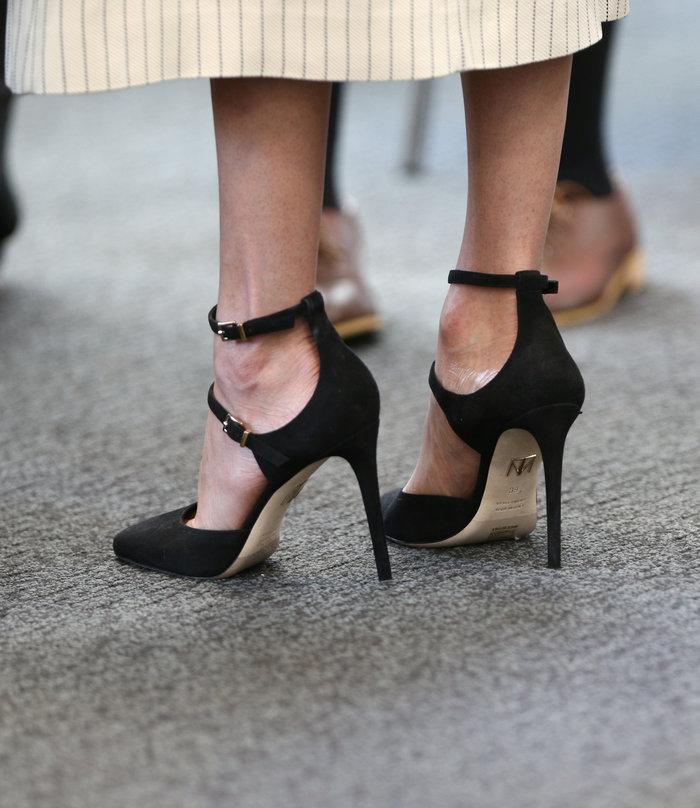 Γιατί η Κέιτ Μίντλετον δεν θα φορούσε ποτέ το ριγέ φόρεμα της Μαρκλ - εικόνα 5