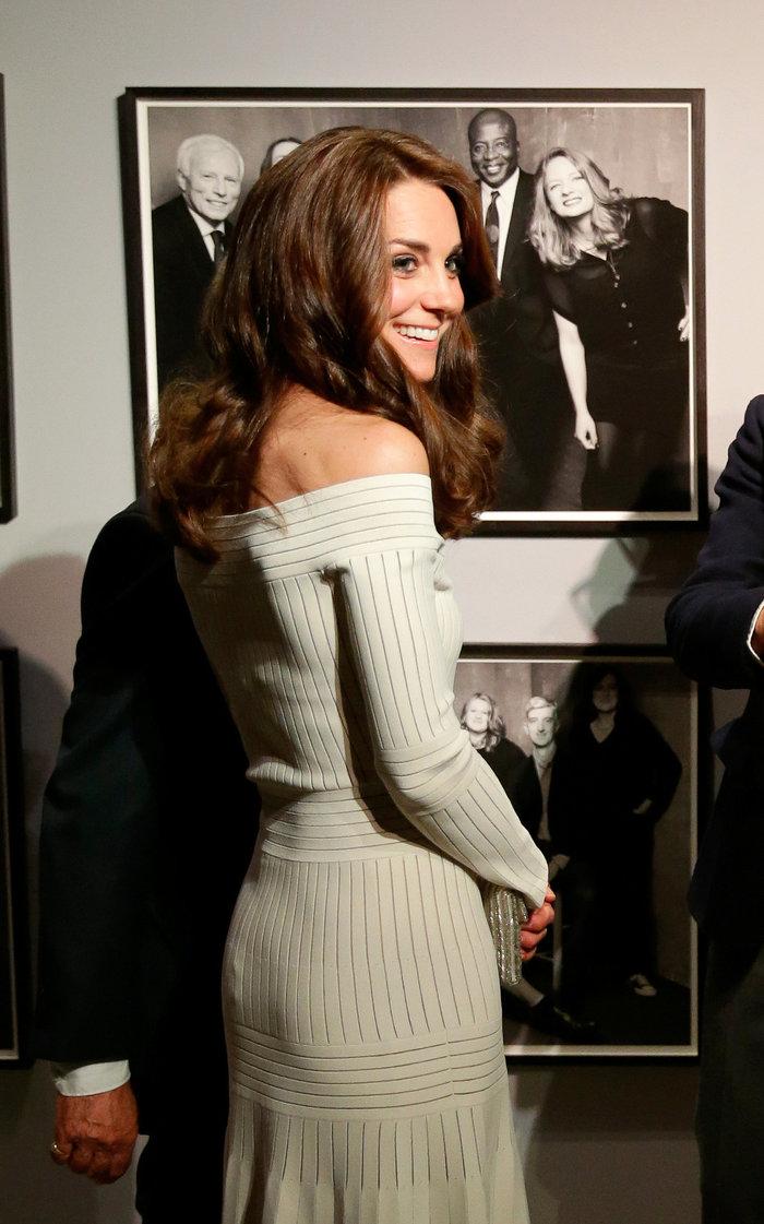 Γιατί η Κέιτ Μίντλετον δεν θα φορούσε ποτέ το ριγέ φόρεμα της Μαρκλ - εικόνα 10
