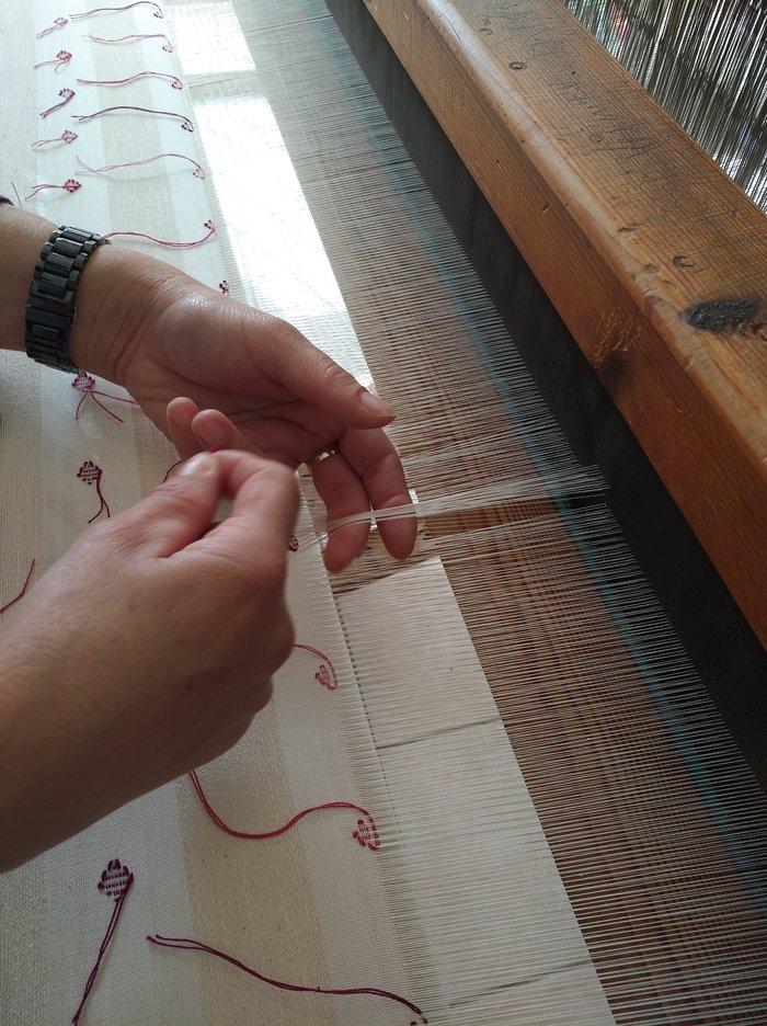 Οι αργαλειοί της Ριζαρείου στο Μονοδένδρι Ζαγορίου υφαίνουν το μέλλον - εικόνα 2
