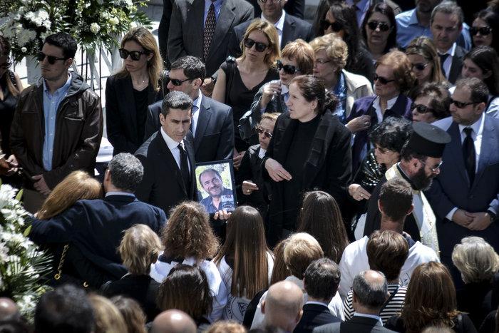 Στην Ανδρο το τελευταίο αντίο στον Αλέξανδρο Σταματιάδη [Εικόνες] - εικόνα 2