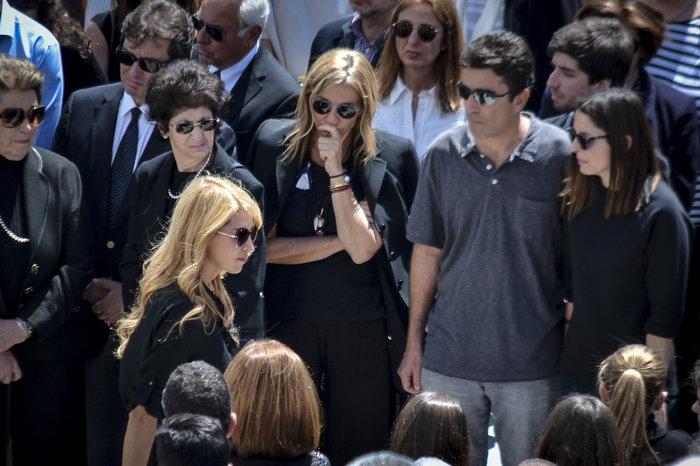 Στην Ανδρο το τελευταίο αντίο στον Αλέξανδρο Σταματιάδη [Εικόνες] - εικόνα 4