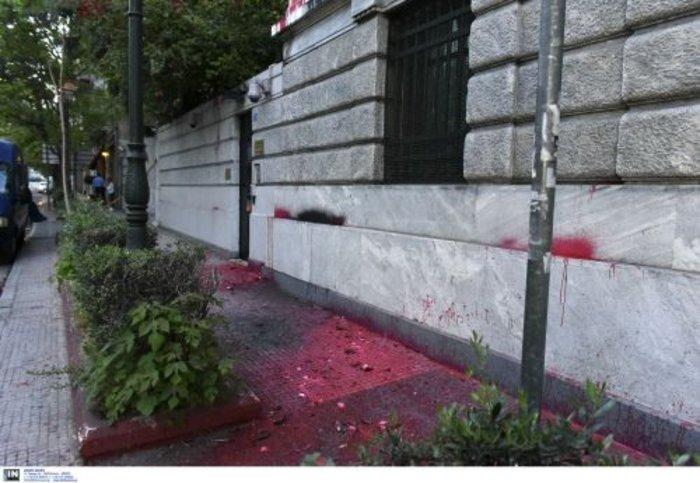 Επίθεση του Ρουβίκωνα στην πρεσβεία της Γαλλίας και στο Γαλλικό προξενείο - εικόνα 4