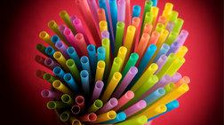 Καταργούνται και στην Ελλάδα τα πλαστικά καλαμάκια
