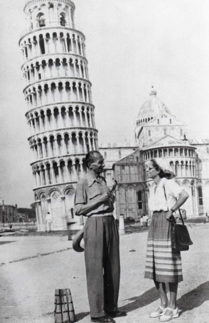 Ο Νίκος και η Ελένη Καζαντζάκη στην Πίζα. (1951)