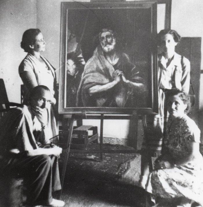 Ο Νίκος και η Ελένη Καζαντζάκη με τις αδελφές Yvonne Metral και Lucienne Fleury στο σπίτι του Ελ. Γκρέκο στο Τολέδο. (1950)