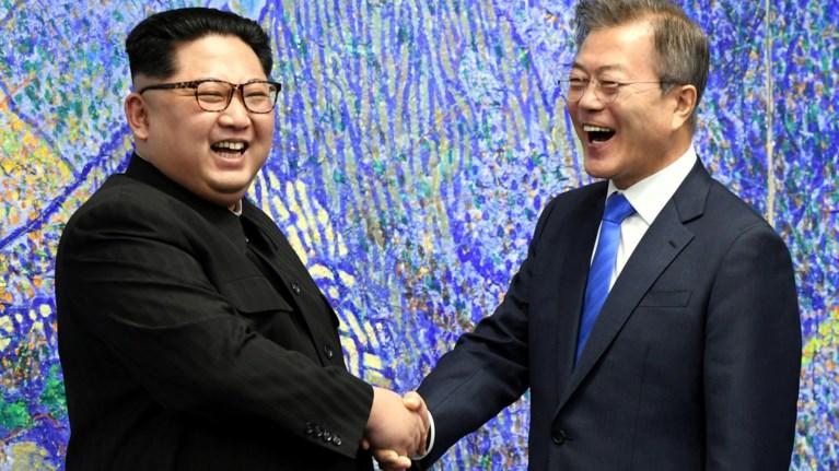 istoriki-stigmi-o-kim-giongk-oun-sti-notia-korea-gia-mia-nea-arxi
