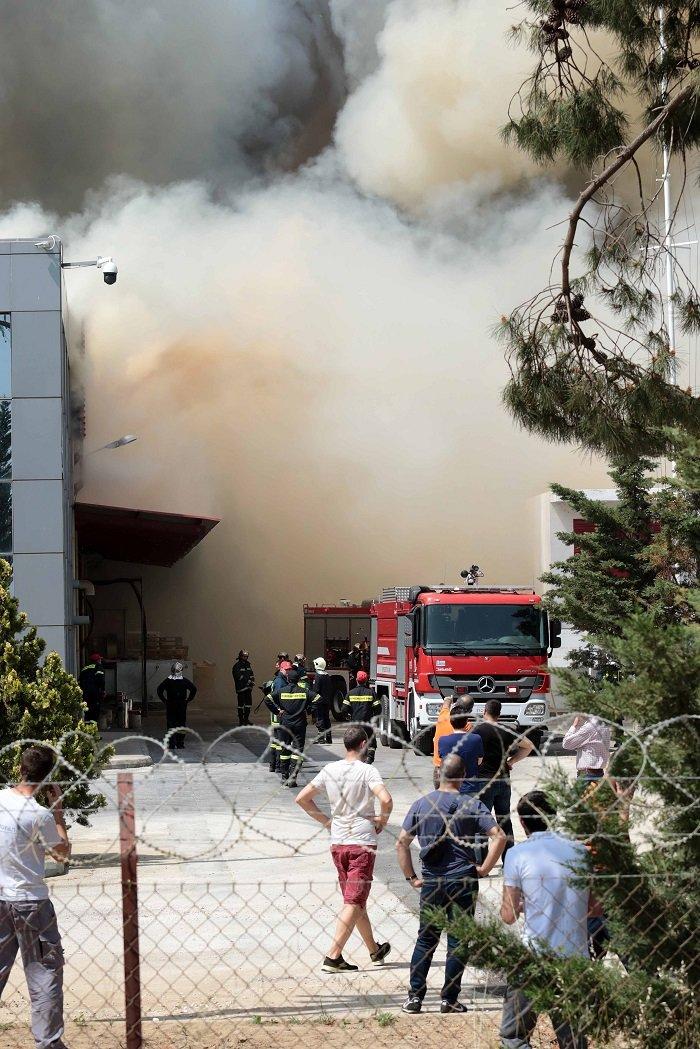 """Ξάνθη: """"Πνιγμένη"""" στο νέφος η περιοχή γύρω από το εργοστάσιο της Sunlight - εικόνα 2"""
