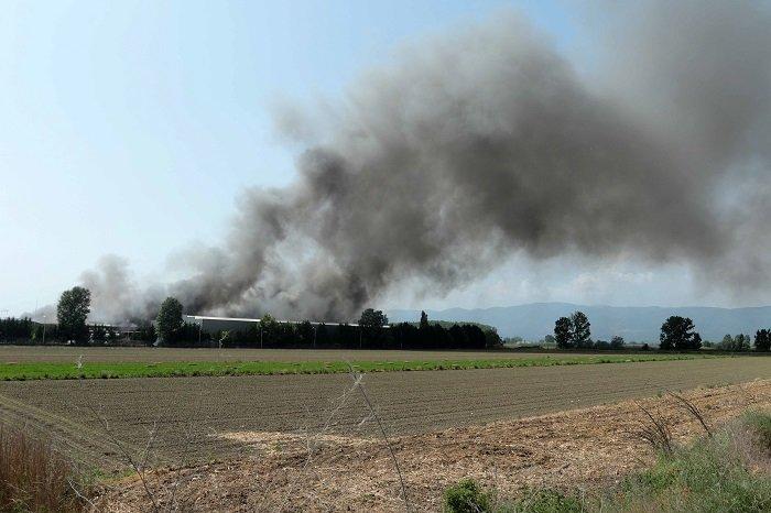 """Ξάνθη: """"Πνιγμένη"""" στο νέφος η περιοχή γύρω από το εργοστάσιο της Sunlight - εικόνα 6"""