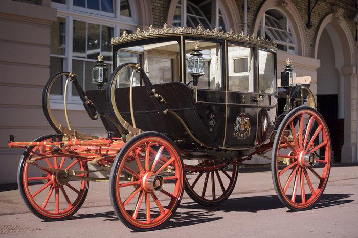 Αυτή είναι η άμαξα που θα μεταφέρει τη νύφη Μέγκαν και τον γαμπρό Χάρι - εικόνα 3