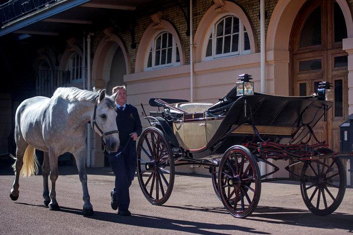 Αυτή είναι η άμαξα που θα μεταφέρει τη νύφη Μέγκαν και τον γαμπρό Χάρι - εικόνα 2