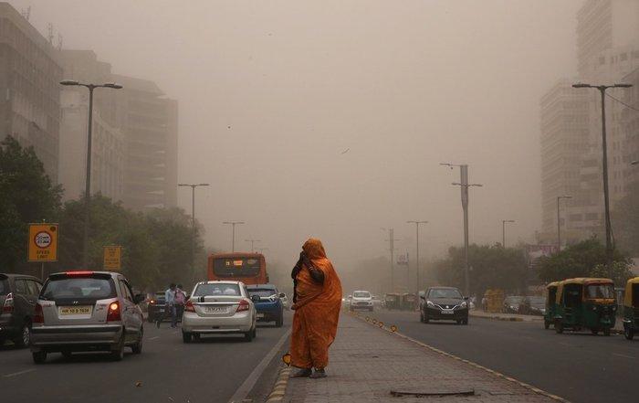 Από τις φονικότερες αμμοθύελλες εδώ και δεκαετίες στην Ινδία