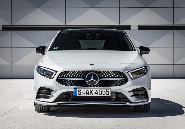 Από 32.288€ στην Ελλάδα η βασική έκδοση της νέας Mercedes A Class