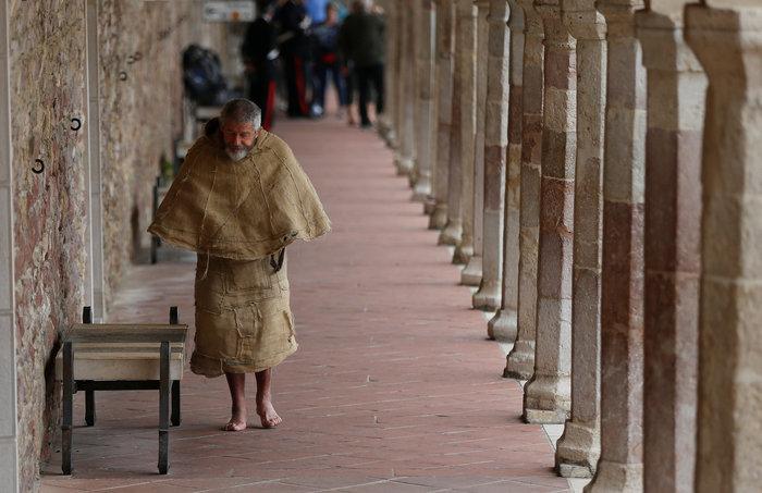 Στην Μέρκελ το Λυχνάρι για την ειρήνη του Αγίου Φραγκίσκου - εικόνα 2