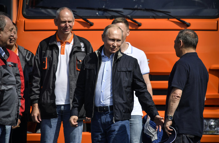 Ο Πούτιν εγκαινίασε τη γέφυρα που ενώνει Ρωσία και Κριμαία - εικόνα 3