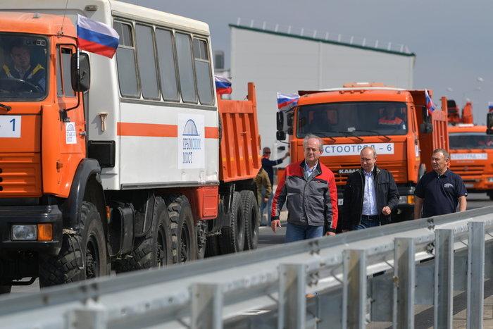Ο Πούτιν εγκαινίασε τη γέφυρα που ενώνει Ρωσία και Κριμαία - εικόνα 2