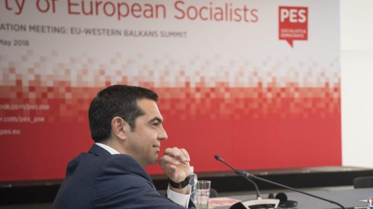 tsipras-oloi-na-laboun-tis-swstes-apofaseis-gia-to-xreos