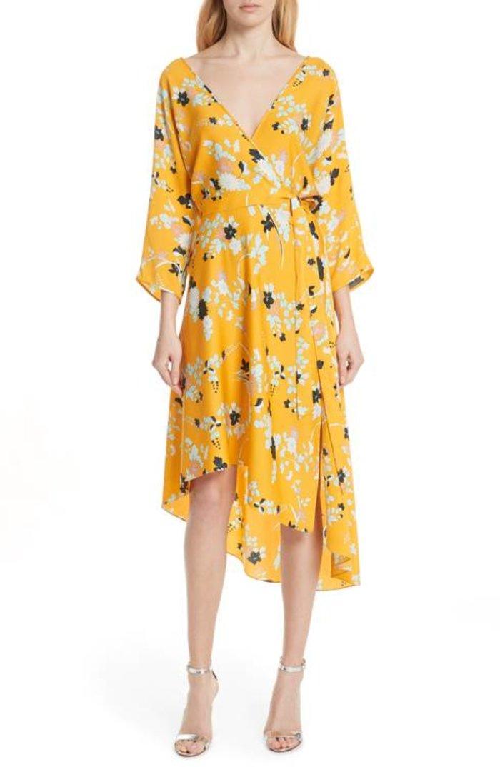 Η Σάντρα Μπούλοκ φόρεσε ένα υπέροχο καλοκαιρινό φόρεμα - εικόνα 3