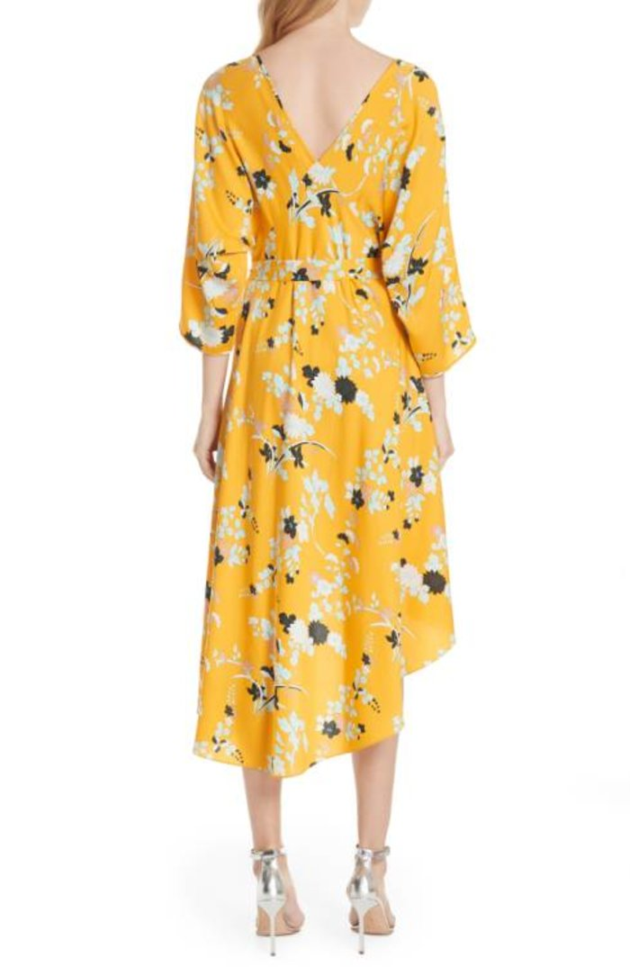 Η Σάντρα Μπούλοκ φόρεσε ένα υπέροχο καλοκαιρινό φόρεμα - εικόνα 4