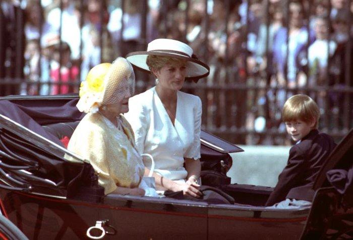 Οταν ο πρίγκιπας Χάρι ήταν παιδί - Οι πιο τρυφερές φωτογραφίες του - εικόνα 2