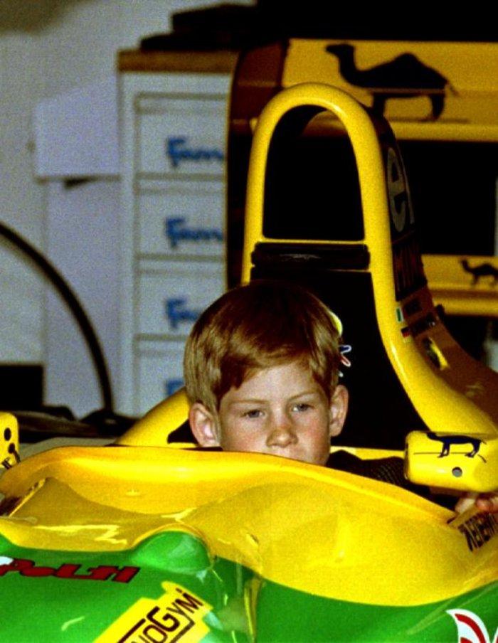 Οταν ο πρίγκιπας Χάρι ήταν παιδί - Οι πιο τρυφερές φωτογραφίες του - εικόνα 3