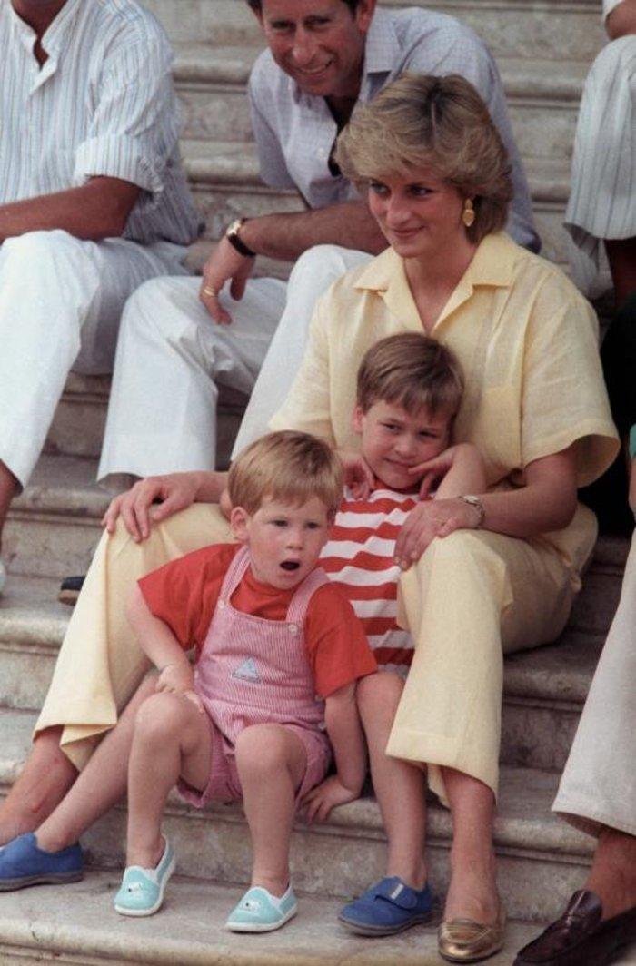 Οταν ο πρίγκιπας Χάρι ήταν παιδί - Οι πιο τρυφερές φωτογραφίες του - εικόνα 4