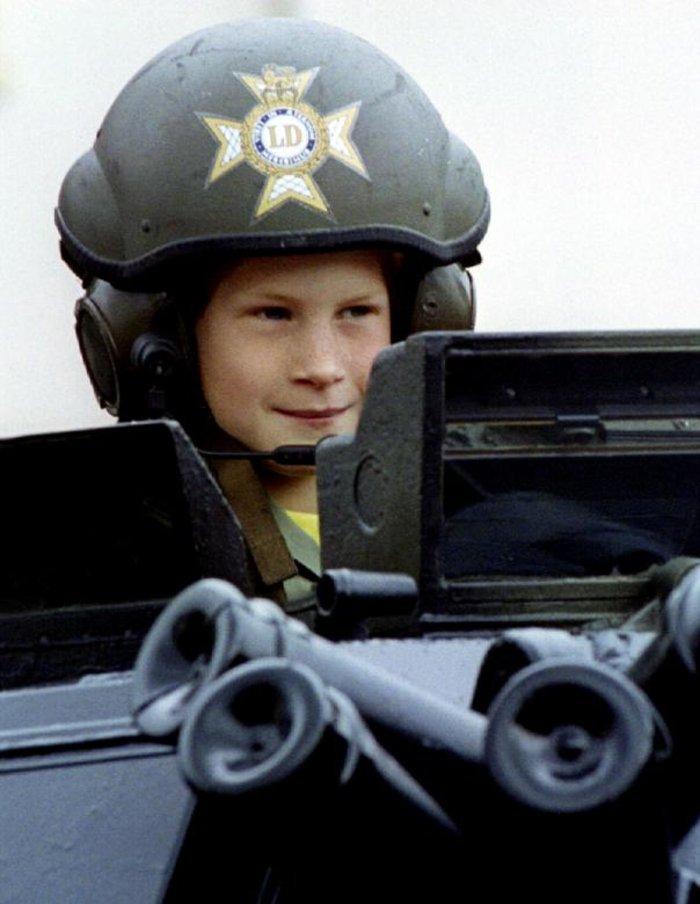 Οταν ο πρίγκιπας Χάρι ήταν παιδί - Οι πιο τρυφερές φωτογραφίες του - εικόνα 5