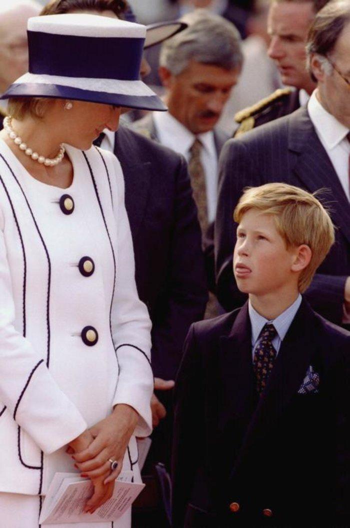 Οταν ο πρίγκιπας Χάρι ήταν παιδί - Οι πιο τρυφερές φωτογραφίες του - εικόνα 6