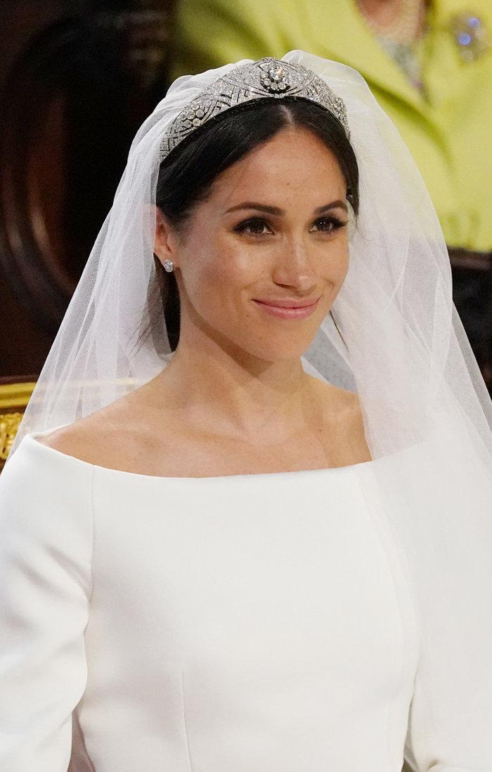 Πανέμορφη νύφη η 36χρονη Μέγκαν Μαρκλ - Η συγκίνηση και τα δάκρυα του Χάρι - εικόνα 12
