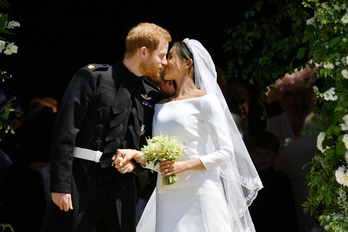 Παντρεύτηκαν Χάρι & Μέγκαν: Το πρώτο φιλί των νέων συζύγων