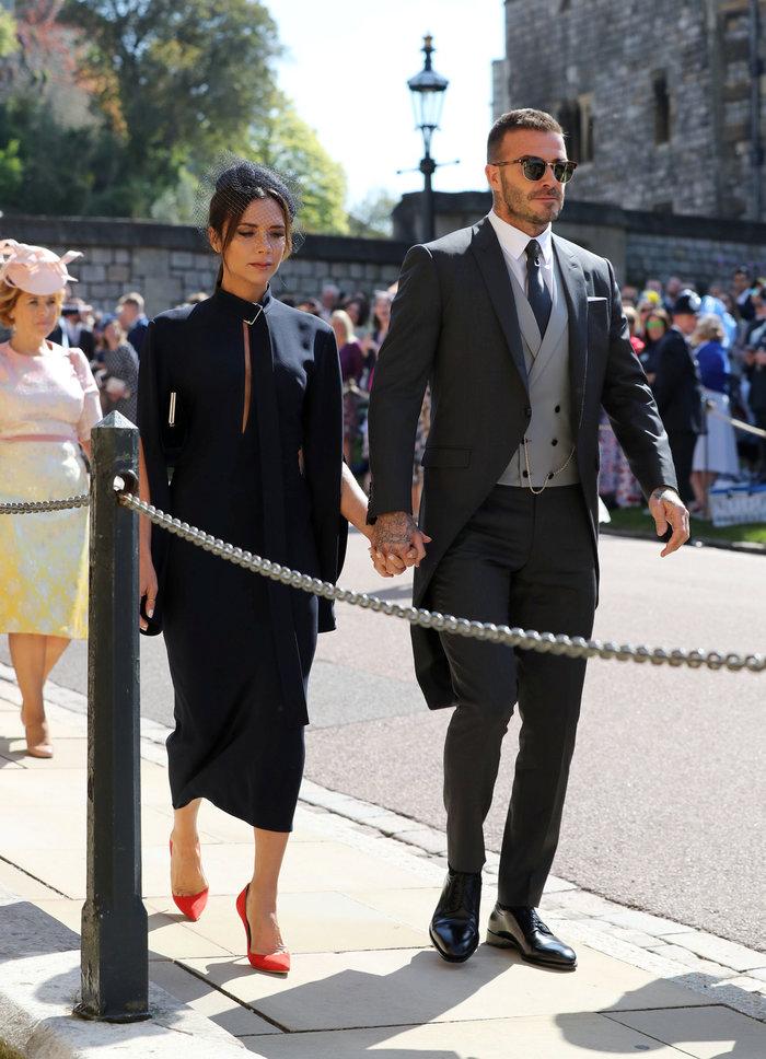Υπέρκομψη η Αμάλ Κλούνεϊ στο πλευρό του Τζορτζ στον βασιλικό γάμο - εικόνα 5