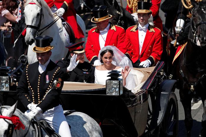 Αστυνομικό μπλόκο σε Αμάλ και Τζορτζ Κλούνεϊ στον βασιλικό γάμο - Τι συνέβη - εικόνα 6
