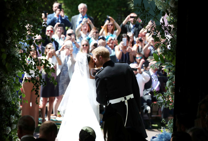Αστυνομικό μπλόκο σε Αμάλ και Τζορτζ Κλούνεϊ στον βασιλικό γάμο - Τι συνέβη - εικόνα 7