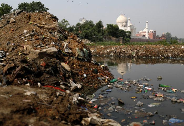 Το Ταζ Μαχάλ χρωματίζεται... πράσινο από τη ρύπανση - Εικόνες - εικόνα 5