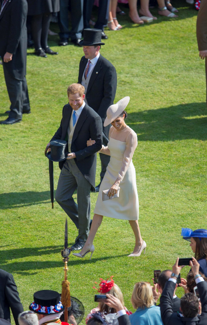 Η πρώτη επίσημη δημόσια εμφάνιση του πρίγκιπα Χάρι και της Μέγκαν Μαρκλ - εικόνα 2