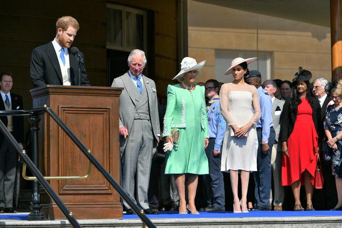 Η πρώτη επίσημη δημόσια εμφάνιση του πρίγκιπα Χάρι και της Μέγκαν Μαρκλ - εικόνα 9