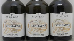 Στο σφυρί τρεις φιάλες με κρασί του 1774, οι παλαιότερες παγκοσμίως