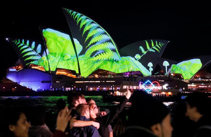 Vivid Sydney: Το φεστιβάλ που μεταμορφώνει το Σίδνεϊ