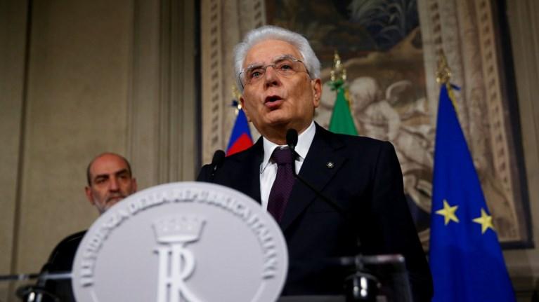 nea-politiki-krisi-stin-italia-o-mattarela-aperripse-ton-sabona