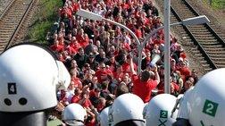 Γερμανία: Οπαδοί ομάδας εμφανίστηκαν με κουκούλες της Κου Κλουξ Κλαν!