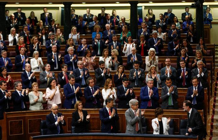 O Ραχόι παραδέχθηκε την ήττα του στο ισπανικό κοινοβούλιο - εικόνα 2