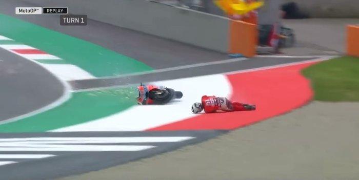 Moto GP: Αναβάτης εκτοξεύτηκε από τη μηχανή τρέχοντας με 350 χλμ/ώρα -vid