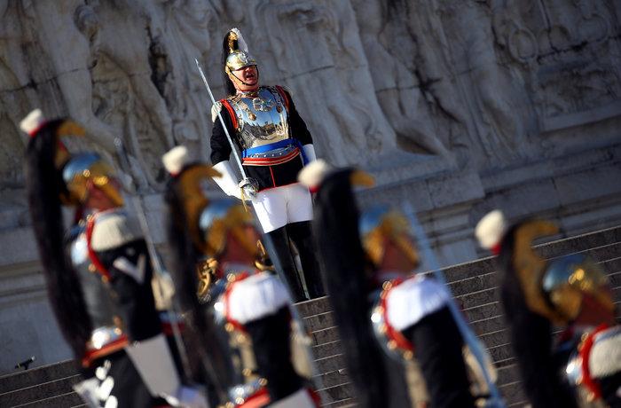 Eπίσημη... πρώτη της κυβέρνησης Κόντε με παρέλαση [Εικόνες] - εικόνα 7