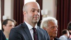 Φράτσερ: Κατανοητή η οργή Τραμπ για το τεράστιο πλεόνασμα της Γερμανίας