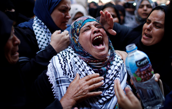Χιλιάδες στην κηδεία 21χρονης που σκοτώθηκε από σφαίρα Ισραηλινού στρατιώτη