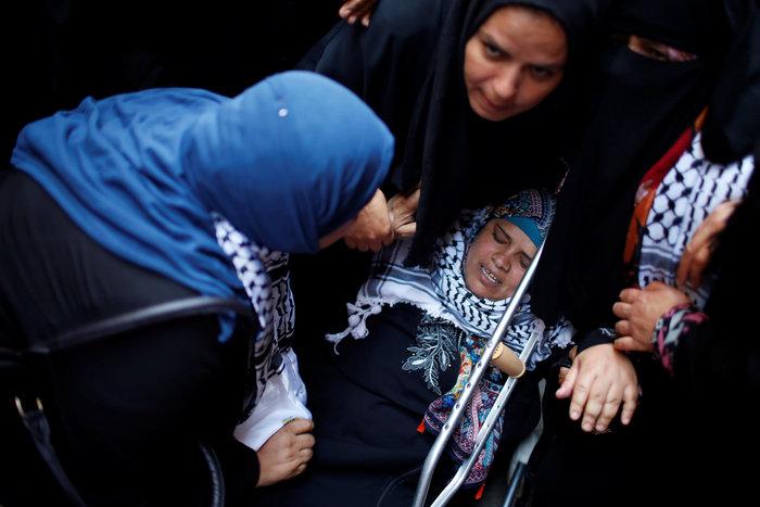 Χιλιάδες στην κηδεία 21χρονης που σκοτώθηκε από σφαίρα Ισραηλινού στρατιώτη - εικόνα 6