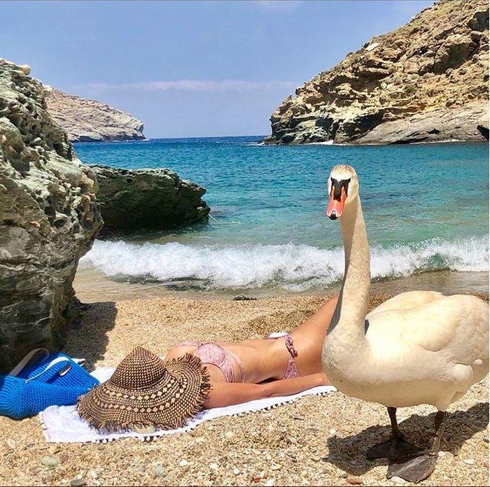 Ελένη Μενεγάκη: Πήγε για μπάνιο και δεν φαντάζεστε τι βρήκε στην παραλία - εικόνα 3