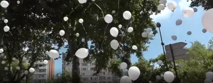 Στα λευκά για τη μνήμη των θυμάτων της τζιχαντιστικής επίθεσης στη Λιέγη - εικόνα 3