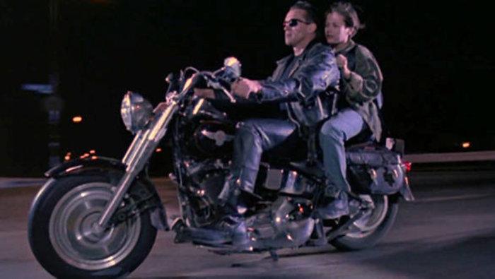 Στο σφυρί η Harley Davidson Fat Boy του Εξολοθρευτή