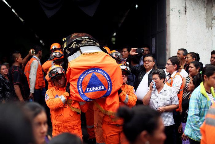 Στους 73 οι νεκροί στη Γουατεμάλα από την έκρηξη ηφαιστείου (βίντεο)