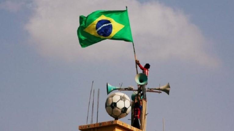 trela-sti-brazilia-i-kubernisi-allazei-tis-wres-ergasias-logw-mountial